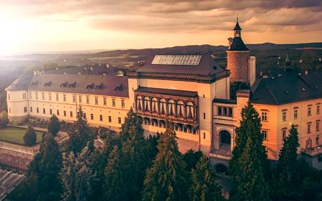 Pohádkový pobyt a wellness v luxusním hotelu Chateau Zbiroh nedaleko Prahy 4 dny / 3 noci, 2 osoby, snídaně