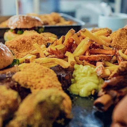 Americká hostina: křídla, žebra, burgery, hranolky