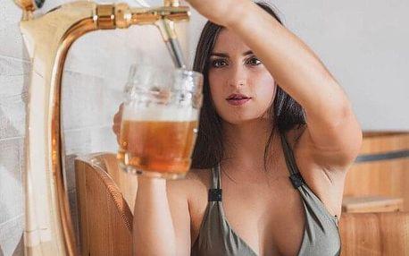 Relaxační zážitek u Luhačovic: Pivní koupel ve dřevěné kádi pro 1-4 osoby včetně neomezené konzumace piva