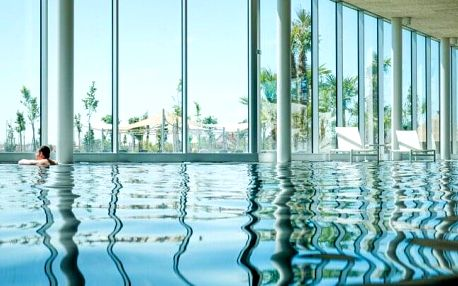 Celodenní vstupenka pro jednotlivce, páry i rodiny do termálních lázní MJUS World Resort & Thermal Park ****