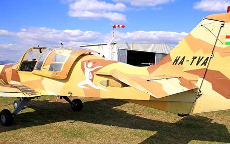 Akrobatický let letadlem SK61 Bulldog: 20–30 minut