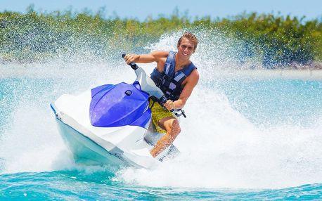 Zábava na šlapadle, paddleboardu, flyboardu i skútru
