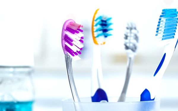 Komplexní dentální hygiena pro dospělé (vstupní terapie + Air Flow)4
