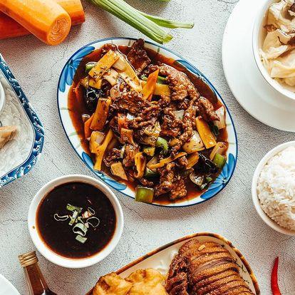 Tradiční čínské menu se švestkovým vínem pro 2–4 os.