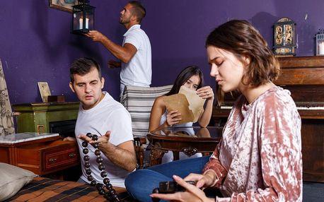 Detektivní úniková hra Kdo s koho až pro 6 hráčů