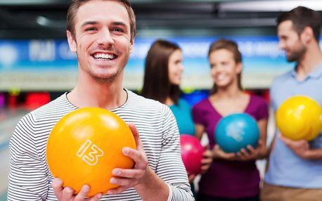 Hodina bowlingu a jedna nebo dvě pizzy dle výběru
