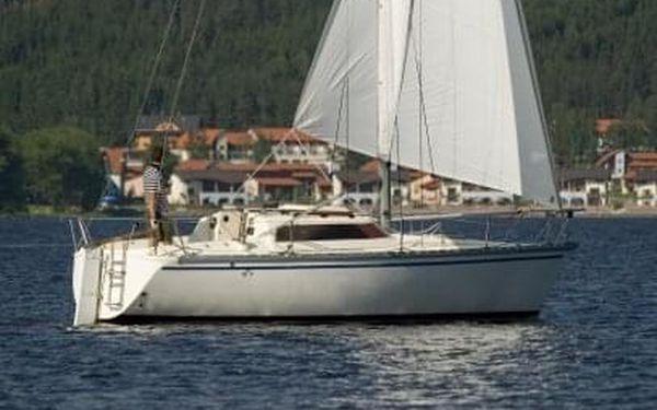 Den na jachtě s kapitánem | Lipenská přehrada | Květen - 15. říjen. | 6 hodin.3