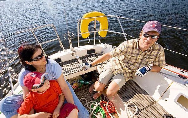 Den na jachtě s kapitánem | Lipenská přehrada | Květen - 15. říjen. | 6 hodin.5