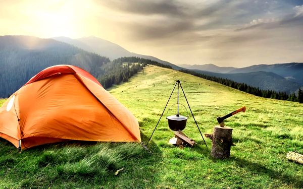 Outdoorový zážitek, přespání ve stanu v Krkonoších pro dva až do listopadu 2021