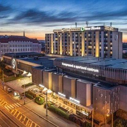 Praha: Dámská jízda v Hotelu Olšanka **** se snídaněmi, posezením v baru s vínem a neomezeným wellness + masáž