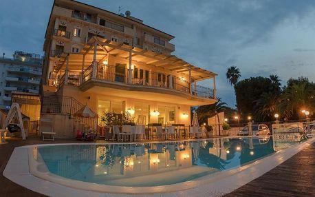 Hotel Mocambo, Marche