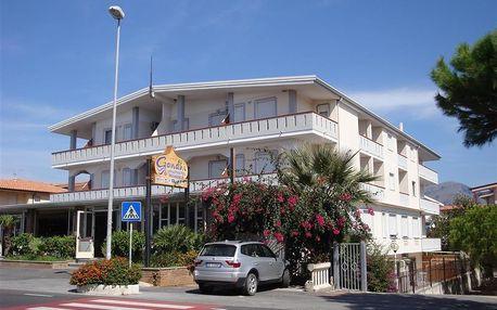 Hotel Gandhi, Kalábrie
