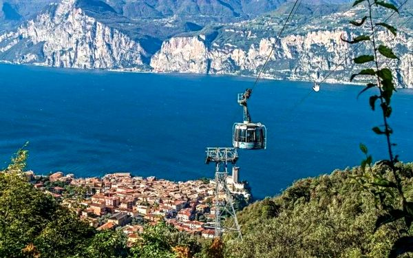 Hotel Lago di Garda se snídaní, Lago di Garda/jezero Garda, vlastní doprava, snídaně v ceně2