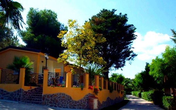 Villaggio Green Garden Club, Kalábrie, vlastní doprava, bez stravy5