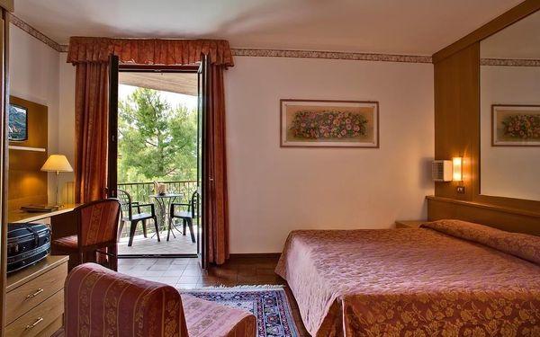 Hotel Astra, Lago di Garda/jezero Garda, vlastní doprava, snídaně v ceně2