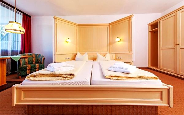 Alpenhotel Dachstein, Dachstein West a Abtenau, vlastní doprava, snídaně v ceně3
