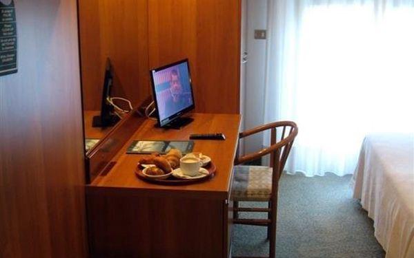 Hotel Eden, Lago di Garda/jezero Garda, vlastní doprava, snídaně v ceně3