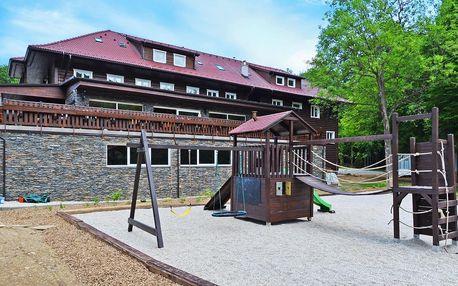 Pohodový pobyt v horské chatě: strava i půjčení kol