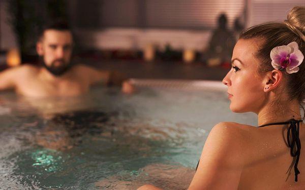 Soukromý relax pro 2: sauna, vířivka, masáž i víno