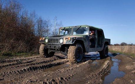 Jízda ve vojenském speciálu Humvee