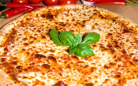Velká pizza na odnos s sebou dle výběru z 12 druhů
