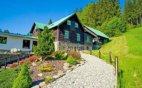 CHKO Beskydy blízko Lysé hory a Pusteven ve Ski Parku Gruň s koupacím sudem, saunou a snídaněmi