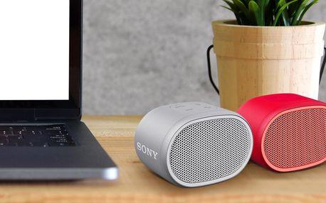Bezdrátový repráček Sony: vodotěsný s extra basy