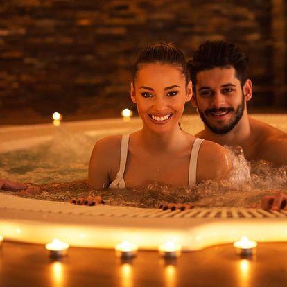 Romantika pro dva v privátní vířivce a sauně