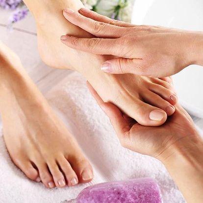 Pedikúra pro ženy i muže včetně masáže nohou