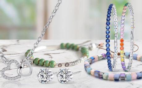 Elegantní šperky zdobené krystaly či korálky