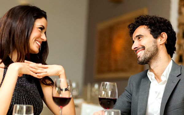 Speed dating: seznamovací večer pro nezadané