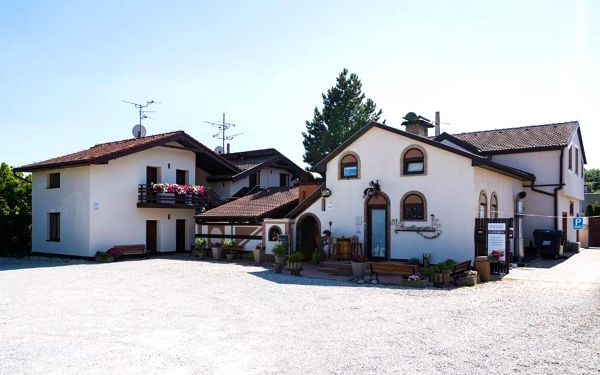 Břeclav, Jihomoravský kraj: RESTAURACE A PENZION U DOUBKŮ