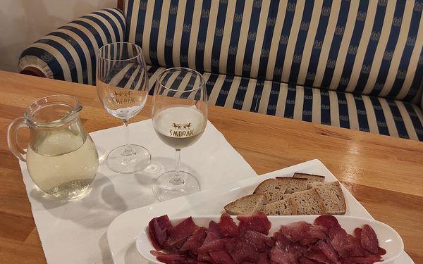 0,5 l sudového vína a paštika dle výběru4