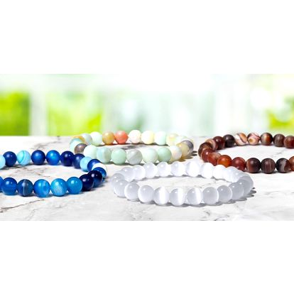 Náramky z opálu, achátu, onyxu i dalších kamenů