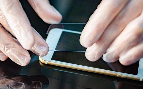 Tvrzené sklo na 90 telefonů a držák jako dárek