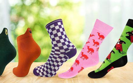 Barevné ponožky české výroby: 17 veselých vzorů