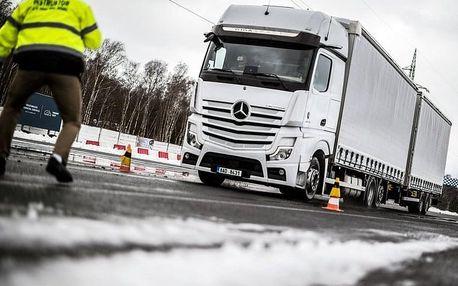 Kurz bezpečné jízdy s kamionem