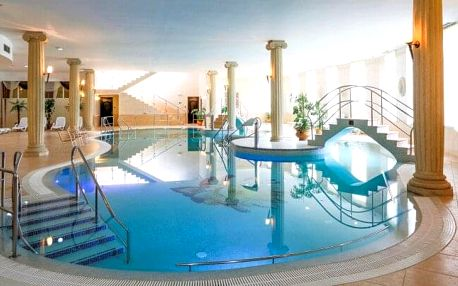 Karlovy Vary: Spa Resort komplex Bristol Royal **** se snídaní či polopenzí, neomezeným wellness + 2 procedury