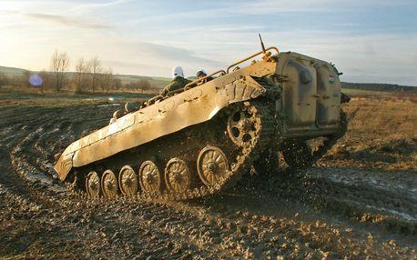 Projížďka v BVP a střelba z AK-47 nebo VZ-58