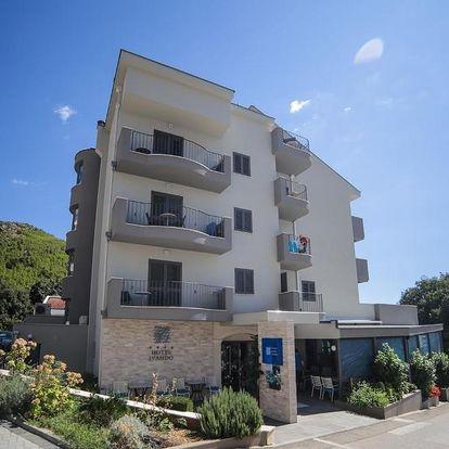 Chorvatsko, Drvenik: Hotel Ivando