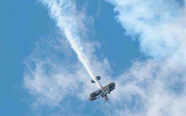 Akrobatický let v závoďáku Eagle