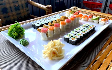 Až 101 kousků lahodného sushi v restauraci Ngoc Ha Sushi v Ostravě