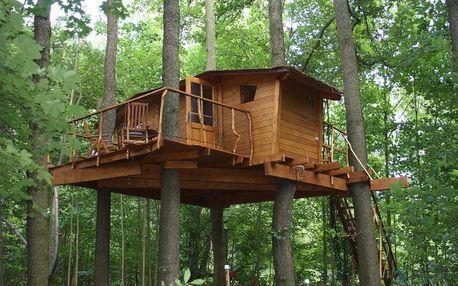 Kouzelné ubytování na stromě v Brdech