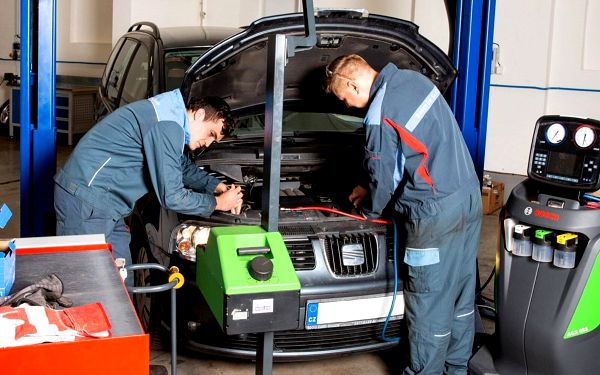 Servis auta: klimatizace, geometrie i dezinfekce