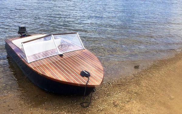 Pronájem motorového člunu na Orlíku: 1–3,5 hodiny