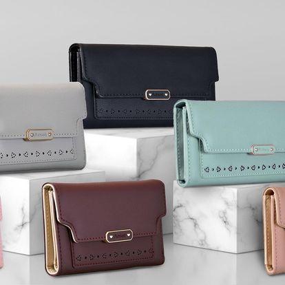 Dámské peněženky v pastelových barvách s kvítky