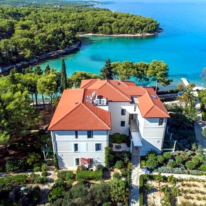Chorvatsko, Brač: Bluesun Villa Vela Luka