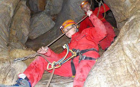 Speleoferrata: lezecké dobrodružství v jeskyni