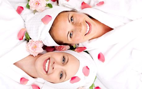 Beauty day pro dámy: ošetření pleti i pedikúra