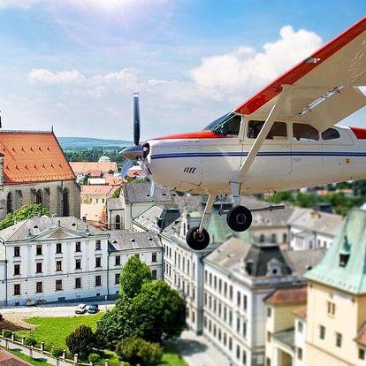 Let letadlem Bristell nebo Cessna 172